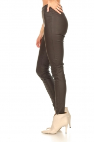 Knit-ted |  Faux leather leggings Amber | brown  | Picture 6