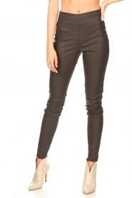 Knit-ted |  Faux leather leggings Amber | brown  | Picture 5