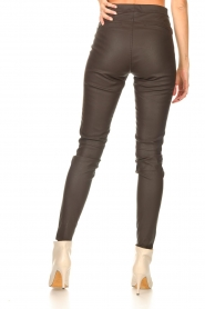 Knit-ted |  Faux leather leggings Amber | brown  | Picture 7