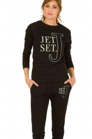 NIKKIE | Trui Jet Set | zwart  | Afbeelding 2