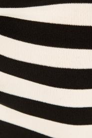 NIKKIE | Top Jolie V-hals | zwart/wit  | Afbeelding 6