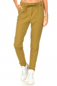 D-ETOILES CASIOPE |  Travelwear pants with tie belt Antigua | green  | Picture 4