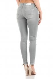 7 For All Mankind | Skinny jeans The Skinny met Swarovski lengtemaat 32 | licht grij  | Afbeelding 5