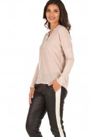 Set | Zijden blouse Ripley | Nude  | Afbeelding 5