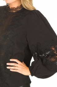 Copenhagen Muse    Blouse with lace Madelyn   black    Picture 7
