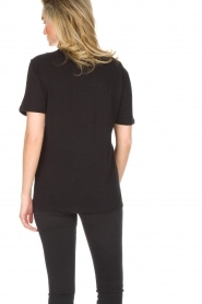 Zoe Karssen | T-shirt Relentless | zwart  | Afbeelding 5