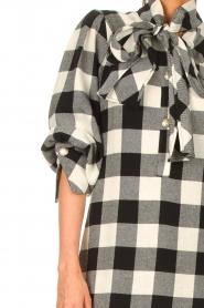 Silvian Heach | Geruite katoenen jurk met strikkraag Blimpit | zwart  | Afbeelding 7