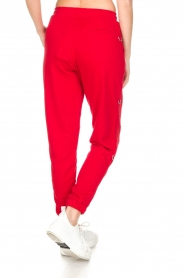 Zoe Karssen |  Sweatpants Le Happy | red  | Picture 6