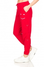 Zoe Karssen |  Sweatpants Le Happy | red  | Picture 5