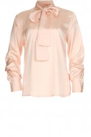 Dante 6 | Satijnen blouse met strik Bluebell | nude  | Afbeelding 1