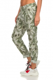 MASONS |  Printed cargo trousers Asia Snake | wit  | Picture 5