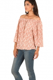 Essentiel Antwerp | Off-shoulder top Mapplethorpe | naturel/rood  | Afbeelding 4
