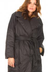Second Female    Puffer jacket with matching waistbelt Eva   black    Picture 7