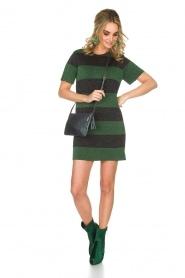NIKKIE | Glinsterende jurk Jolien | groen  | Afbeelding 3