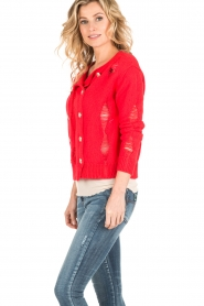 Atos Lombardini |  Cardigan with ripped details Rosita | red  | Picture 4