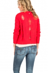 Atos Lombardini |  Cardigan with ripped details Rosita | red  | Picture 5