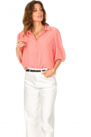 Dante 6 |  Textured blouse with puff sleeves Lecce | pink  | Picture 5