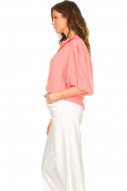 Dante 6 |  Textured blouse with puff sleeves Lecce | pink  | Picture 6