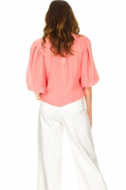 Dante 6 |  Textured blouse with puff sleeves Lecce | pink  | Picture 7