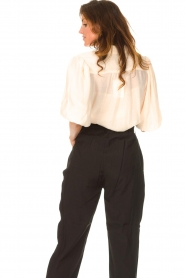 Dante 6 |  Textured blouse with puff sleeves Lecce | natural  | Picture 6