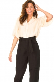 Dante 6 |  Textured blouse with puff sleeves Lecce | natural  | Picture 2