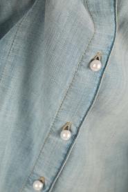 Atos Lombardini | Denim pussybow blouse Nessa | blauw  | Afbeelding 6