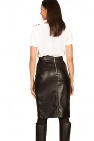 Nenette |  Faux leather skirt with pleats Gun | black  | Picture 5
