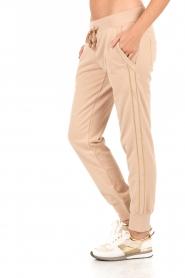 Patrizia Pepe | Sweatpants Gouden streep | nude  | Afbeelding 4