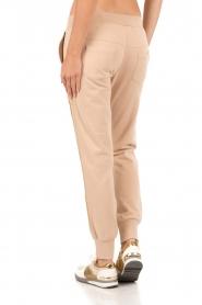 Patrizia Pepe | Sweatpants Gouden streep | nude  | Afbeelding 5