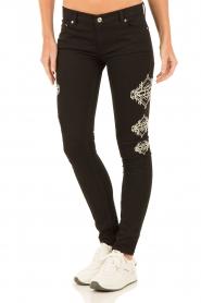 NIKKIE | Skinny Jeans Graphic lengtemaat 30 | zwart  | Afbeelding 2