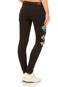 NIKKIE | Skinny Jeans Graphic lengtemaat 30 | zwart  | Afbeelding 5