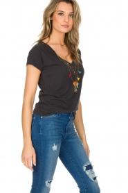 Leon & Harper | T-shirt Mantra | grijs  | Afbeelding 3