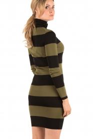 NIKKIE | Turtleneck jurk Jolie | groen  | Afbeelding 5