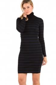 NIKKIE | Turtleneck jurk Jolie | blauw  | Afbeelding 2