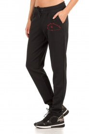 NIKKIE | Sweatpants Friends Club | blauw  | Afbeelding 4