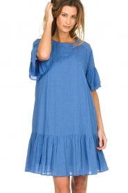 Silvian Heach |  Dress with ruffles AKHIOK | blue  | Picture 5
