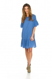Silvian Heach |  Dress with ruffles AKHIOK | blue  | Picture 3
