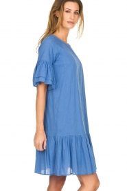 Silvian Heach |  Dress with ruffles AKHIOK | blue  | Picture 4