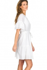 Silvian Heach |  Dress with ruffles Akhiok | white  | Picture 4