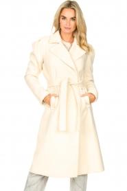Kocca |  Cloak coat with tie belt Azekel | natural   | Picture 2
