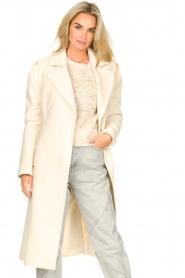 Kocca |  Cloak coat with tie belt Azekel | natural   | Picture 5
