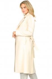 Kocca |  Cloak coat with tie belt Azekel | natural   | Picture 6