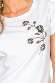 Silvian Heach |  T-shirt with floral application Marrakech | white   | Picture 7