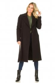 Kocca    Cloak coat with tie belt Azekel   black    Picture 4