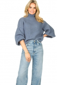 Kocca |  Knitted sweater with lowered sleeves Ulisse | blue  | Picture 4
