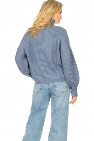 Kocca |  Knitted sweater with lowered sleeves Ulisse | blue  | Picture 6