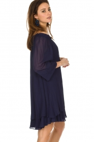 Atos Lombardini | Off-shoulder jurk Florianna | Blauw  | Afbeelding 5