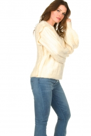 Sofie Schnoor |  Soft sweater with shoulder details Tereza | natural  | Picture 5