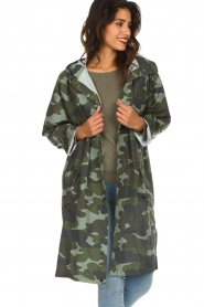 Becksöndergaard |  Rain coat with camo print Magpie | green  | Picture 4