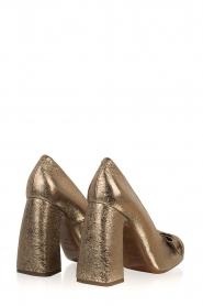 L'Autre Chose |  Metallic pumps Coco | gold  | Picture 4
